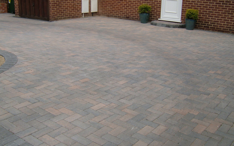 residential-driveway-paving